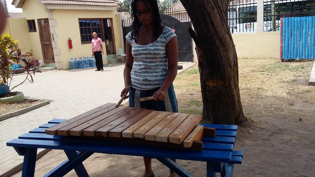 Playing the pentatonic xylophone